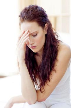 产后乳房肿块堵塞是怎么回事 乳房肿块会引发哪些并发症