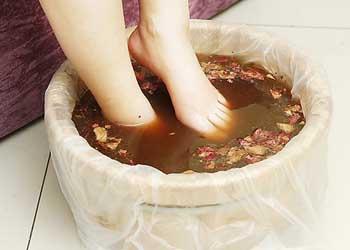 痛经泡脚有用吗 中医泡脚方子有哪些