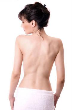 三个日常运动锻炼出性感背部