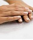 灰指甲是怎么引起的 有哪些表现