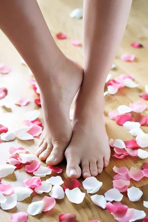 脚趾甲灰指甲竟是这样治