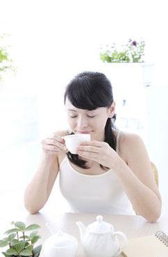 女性斑秃用什么药有效 敏乐啶洗剂对治疗斑秃有副作用么